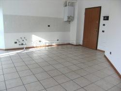 Trilocale in Vendita a Seriate, 125'000€, 85 m², con Box