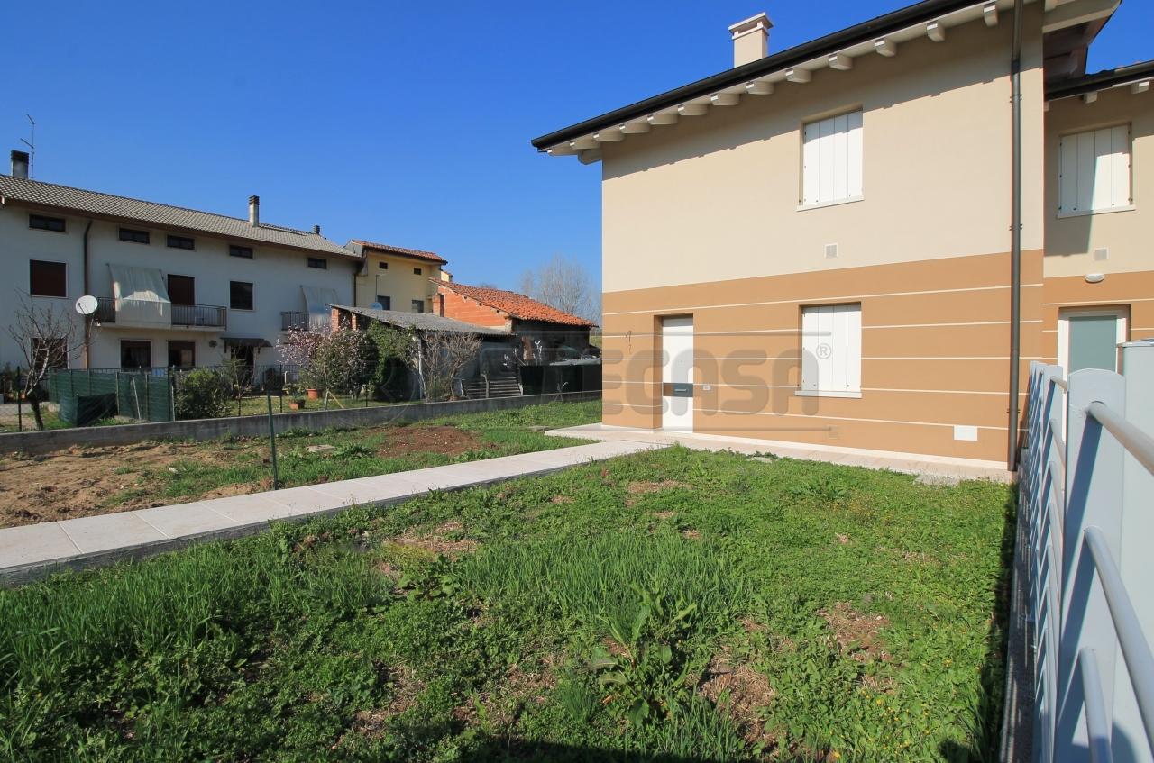 Appartamento in vendita a Arzignano, 6 locali, prezzo € 235.000 | CambioCasa.it