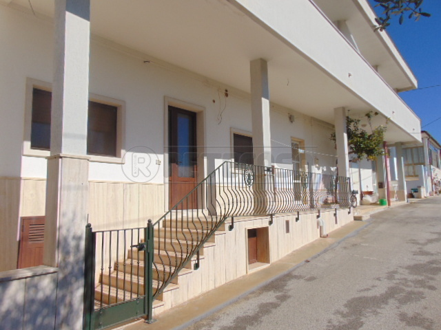 Casa Indipendente ristrutturato in vendita Rif. 10115864