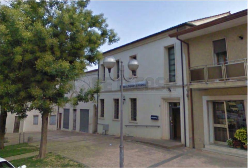 Negozio / Locale in vendita a Albettone, 9999 locali, Trattative riservate | CambioCasa.it