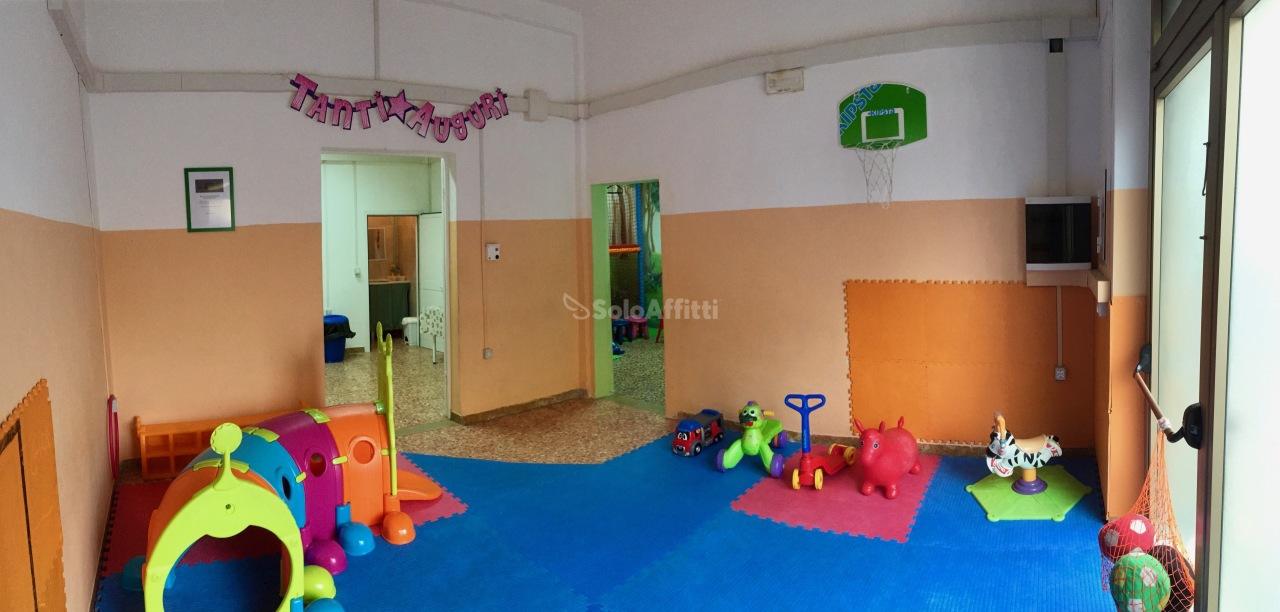 Fondo/negozio - 3 vetrine/luci a Rosignano Solvay, Rosignano Marittimo Rif. 8743540