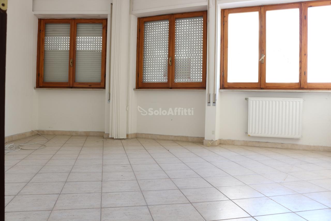 Ufficio - oltre 4 locali a Latina Rif. 10631453