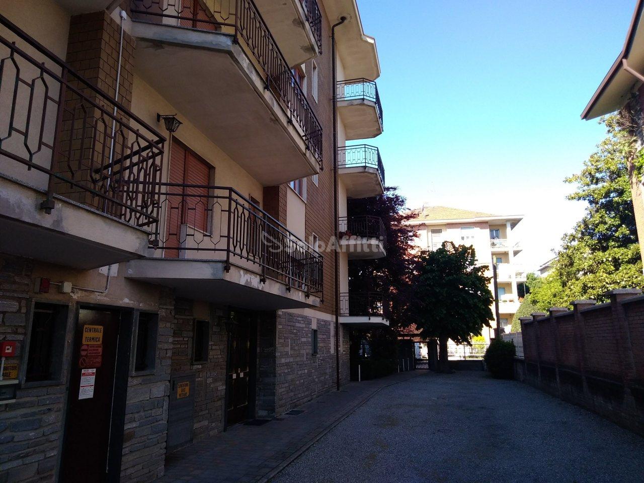 Trilocale in buone condizioni in affitto Rif. 10238025