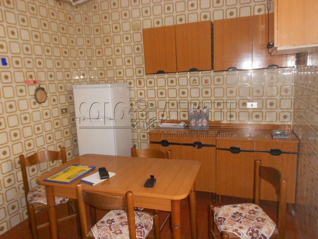 Stanza / posto letto in buone condizioni arredato in affitto Rif. 4133859