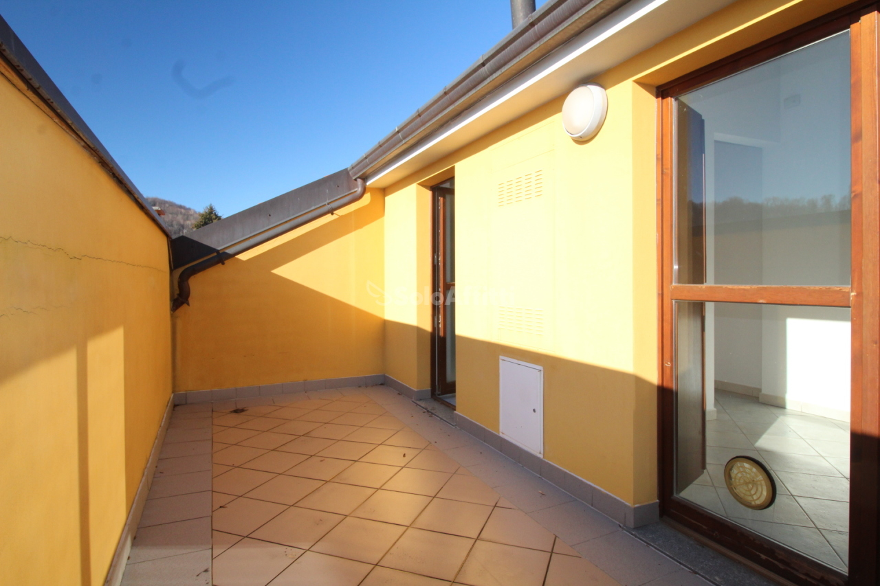 Attico / Mansarda in ottime condizioni in affitto Rif. 9343266