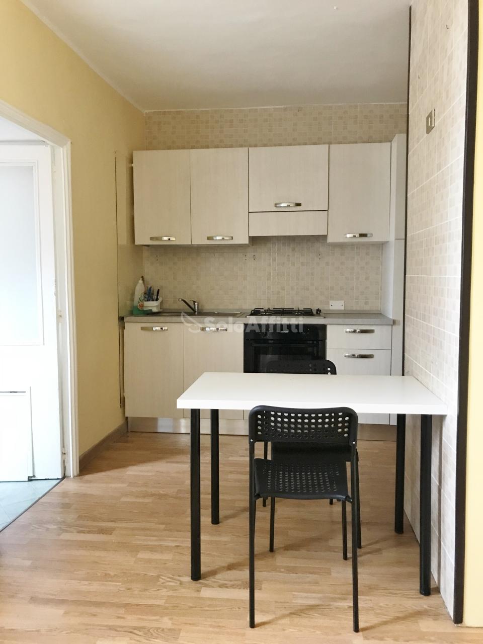 Stanza / posto letto in buone condizioni in affitto Rif. 7471677