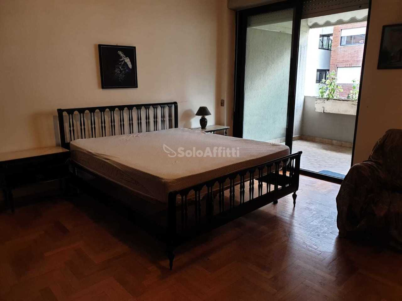 Stanza / posto letto in buone condizioni arredato in affitto Rif. 9794455