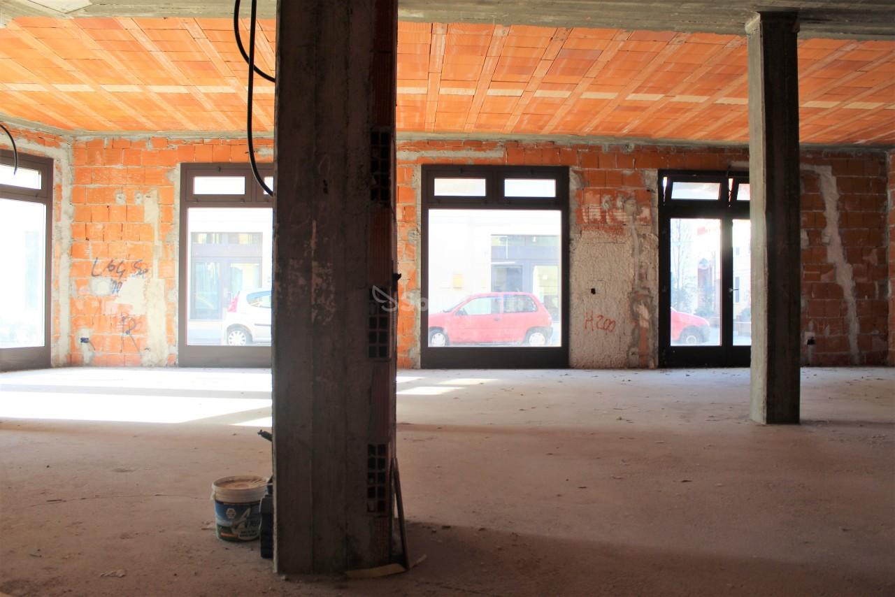 Negozio / Locale in affitto a Parabiago, 1 locali, prezzo € 1.400 | PortaleAgenzieImmobiliari.it