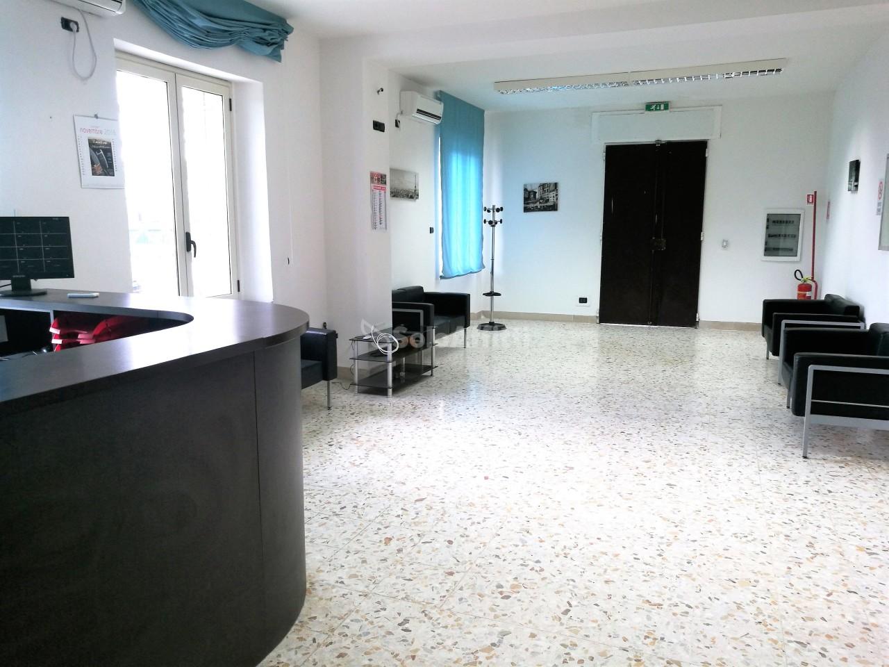 Ufficio - oltre 4 locali a Lido Fortuna, Catanzaro Rif. 11021590