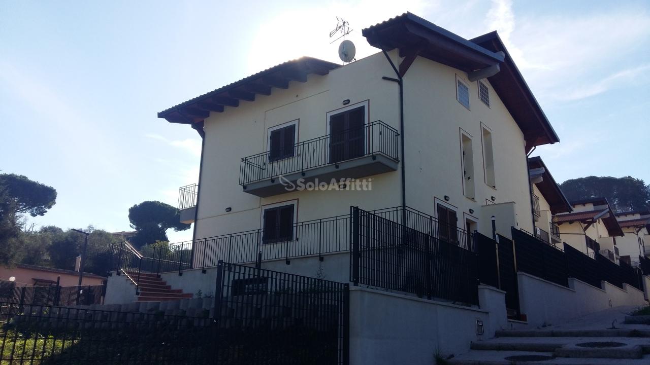 Appartamento - 6 locali a Marino
