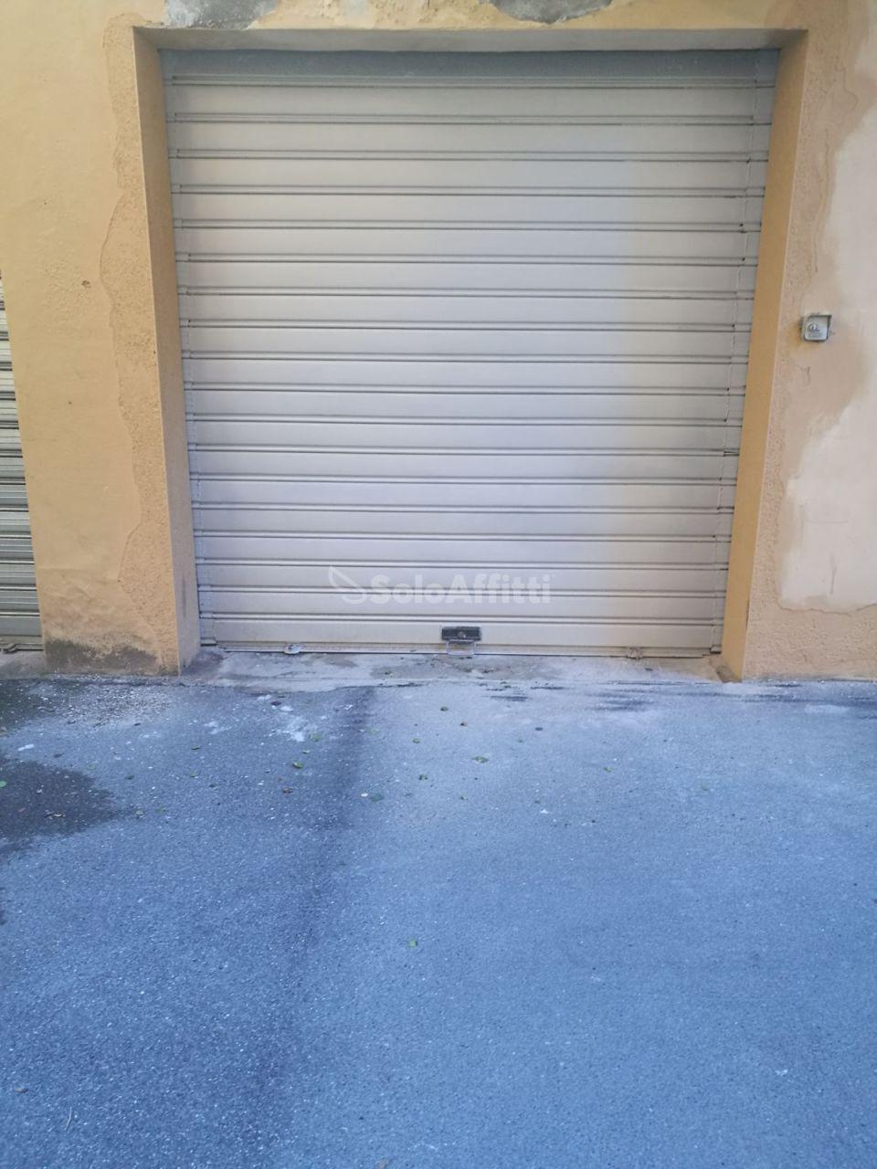 Box e posti auto in buone condizioni in affitto Rif. 4131281