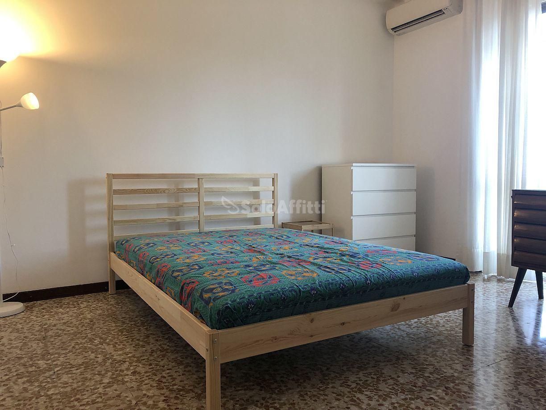 Appartamento in affitto a Pavia, 6 locali, prezzo € 960 | PortaleAgenzieImmobiliari.it