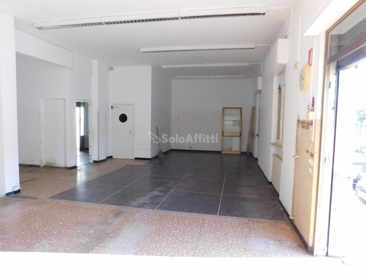 Negozio / Locale in affitto a Albisola Superiore, 2 locali, prezzo € 1.200 | PortaleAgenzieImmobiliari.it