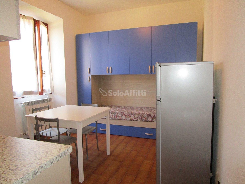 Monolocale in ottime condizioni arredato in affitto Rif. 10689427