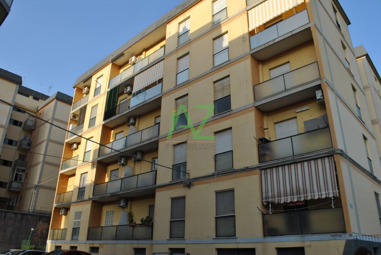 Appartamento in buone condizioni in affitto Rif. 8558699