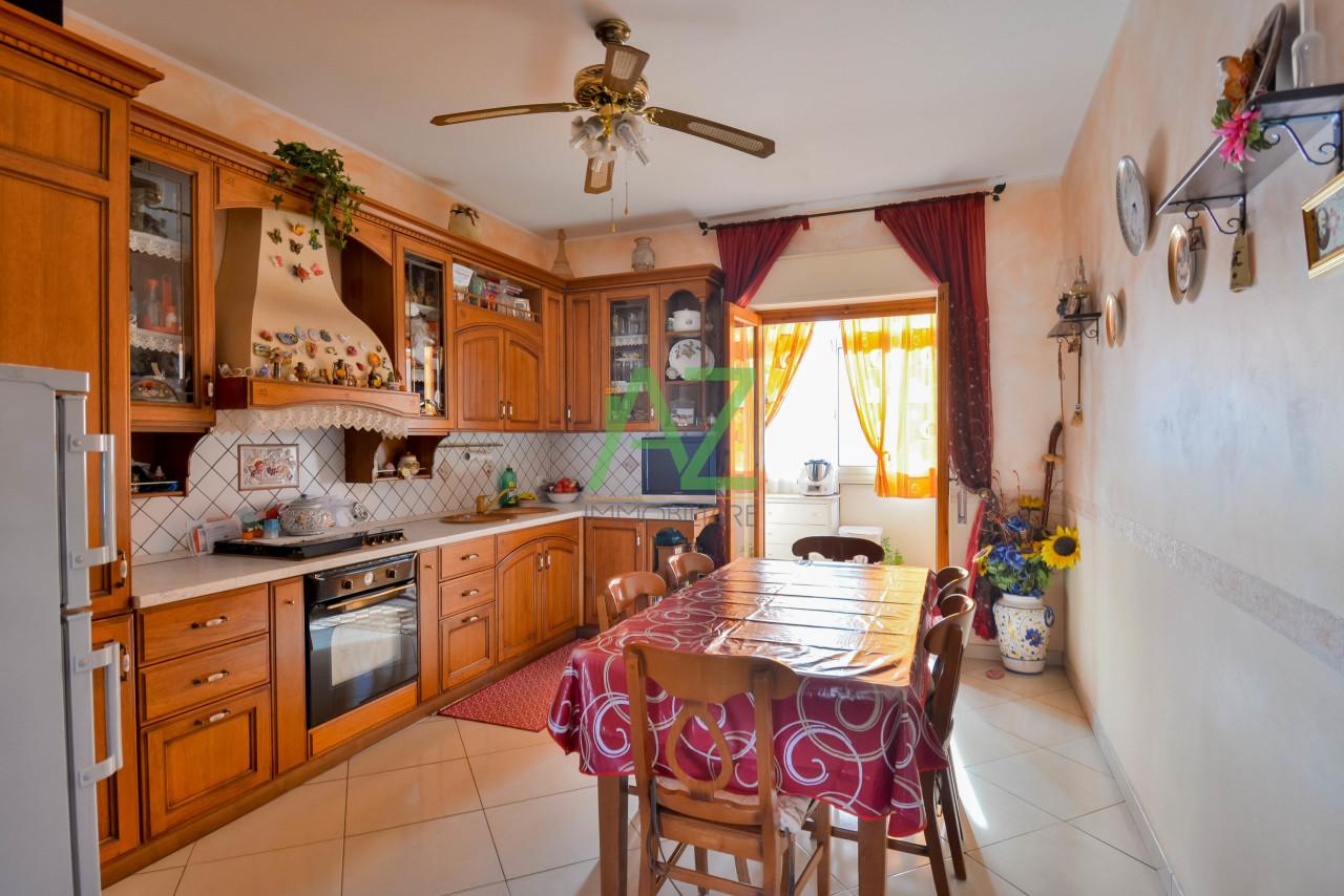 Appartamento in buone condizioni in vendita Rif. 11939087