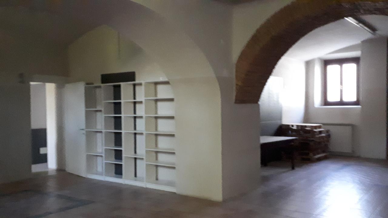 Commerciale - Due Vetrine a Parma Rif. 8658942