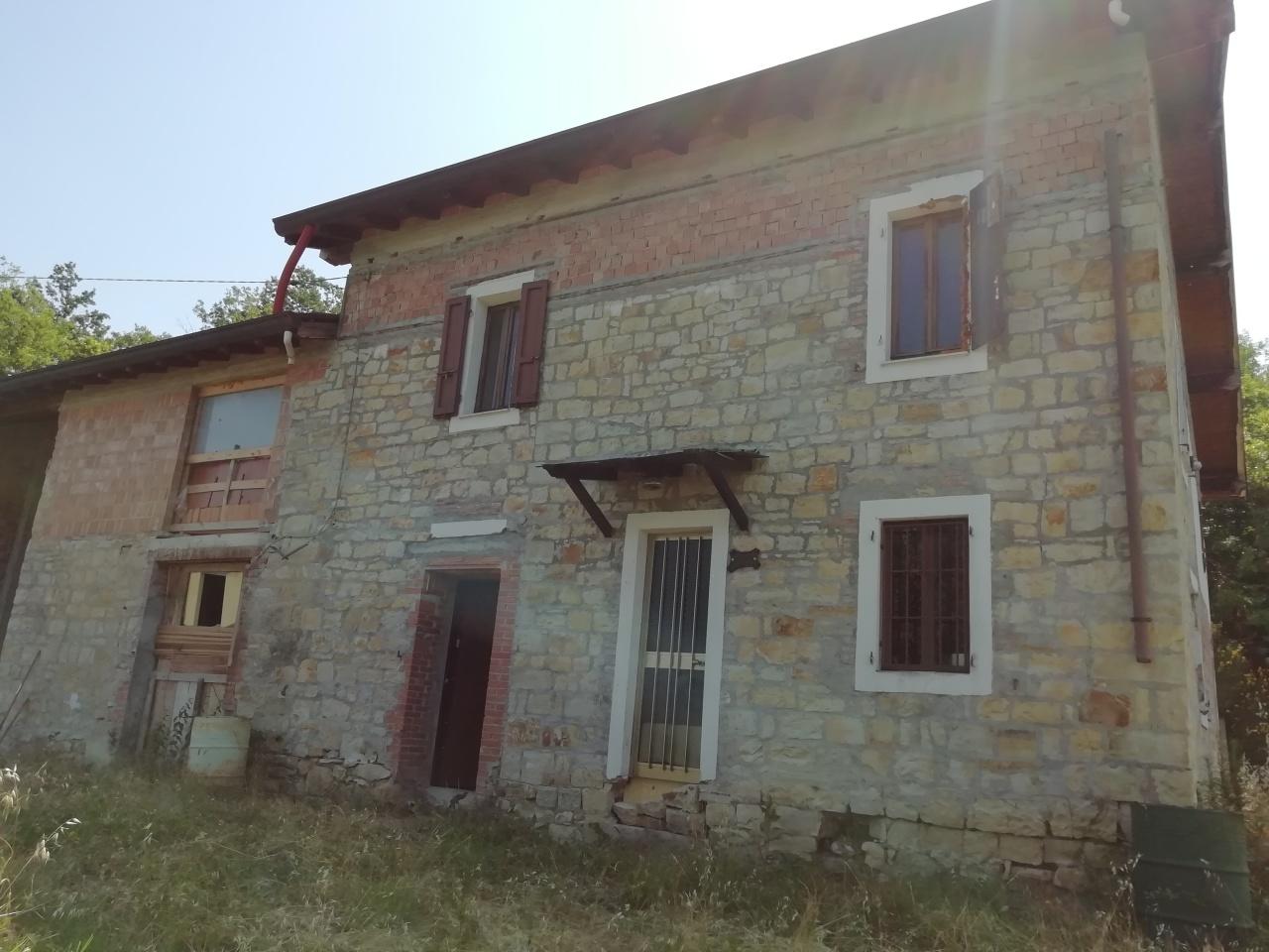 Rustico / Casale in discrete condizioni in vendita Rif. 10788036