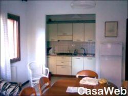Quadrilocale in Vendita a Venezia, zona Lido, 300'000€, 80 m², con Box