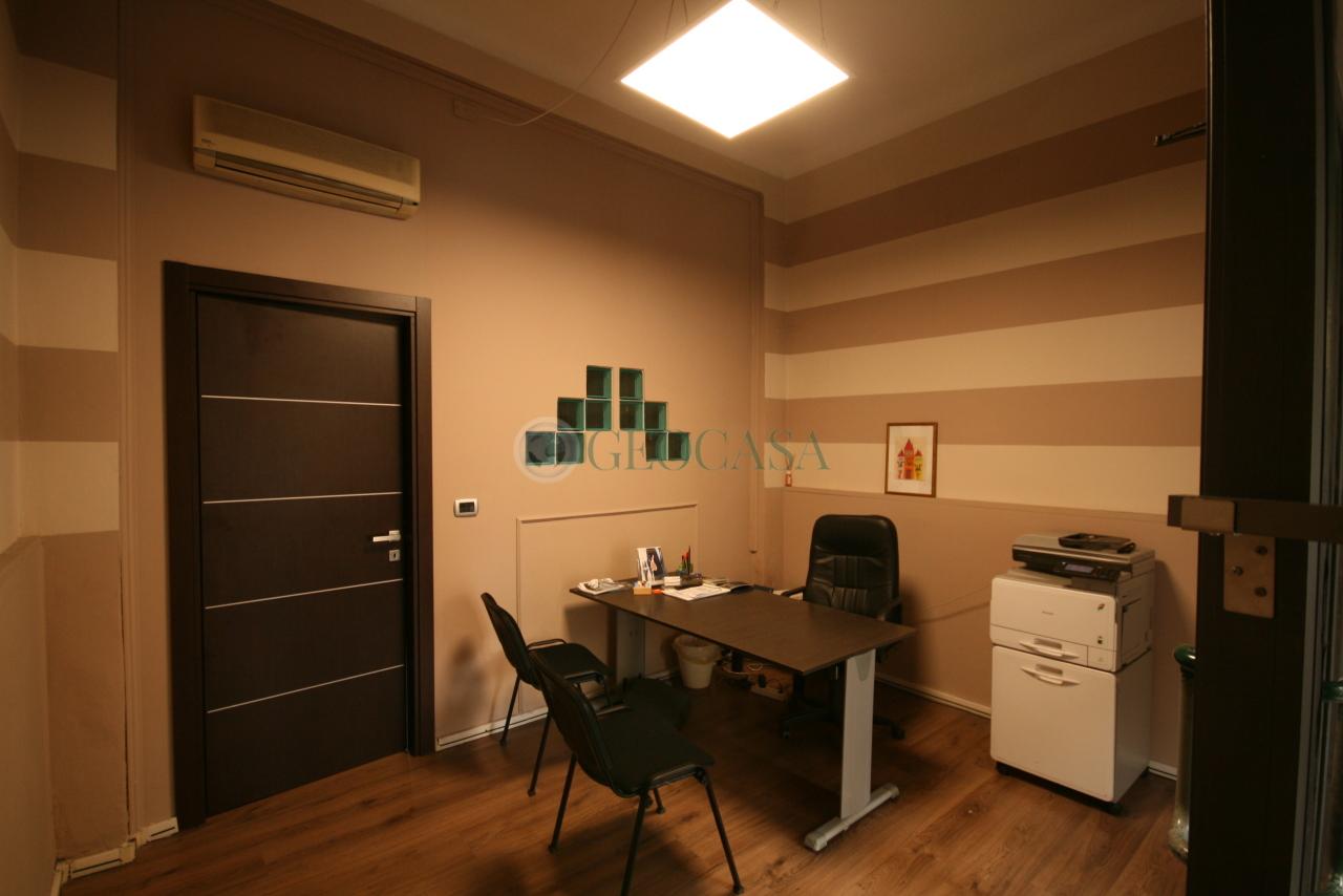 Negozio / Locale in affitto a La Spezia, 2 locali, prezzo € 350 | CambioCasa.it