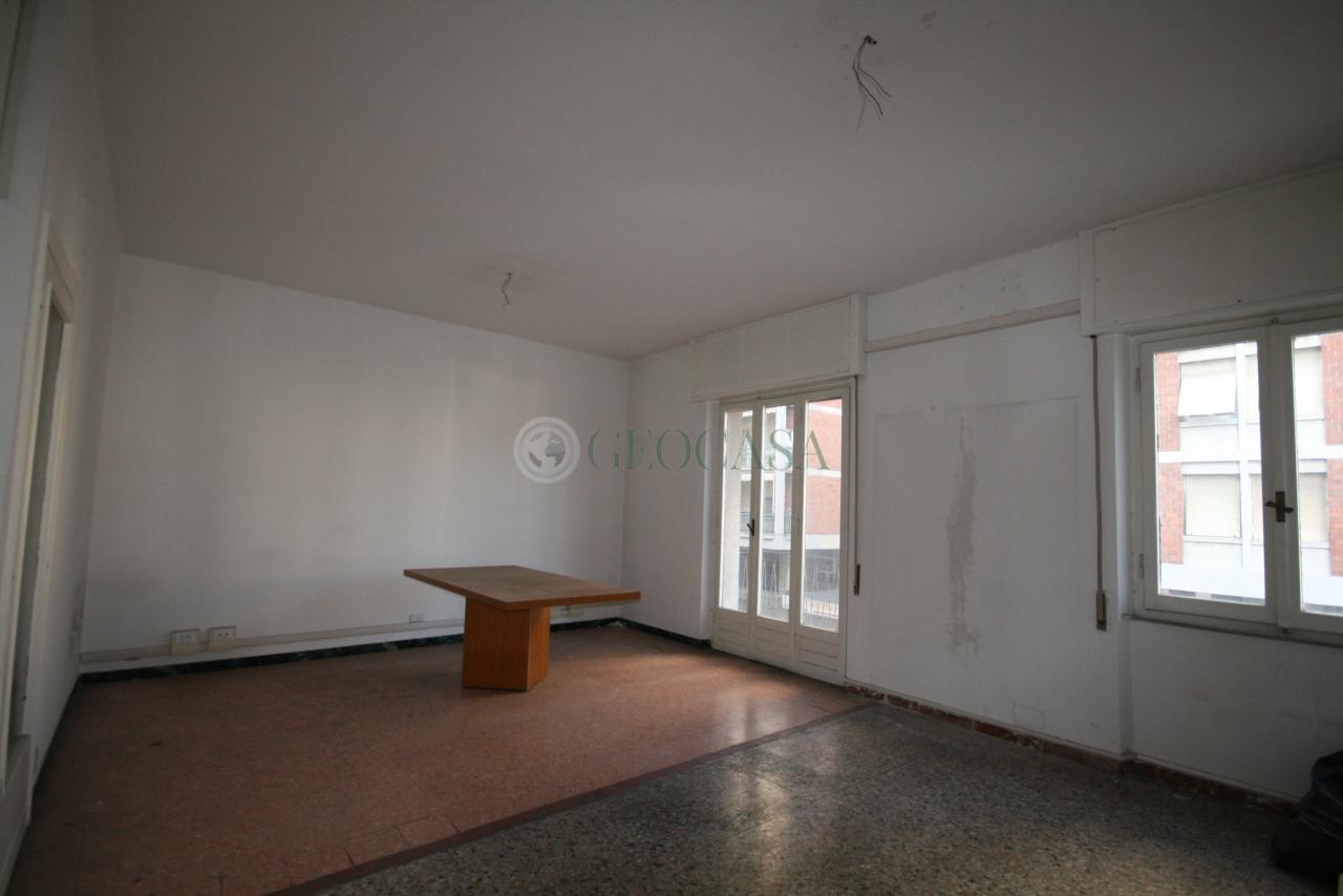 Appartamento in vendita a La Spezia, 4 locali, prezzo € 150.000   CambioCasa.it
