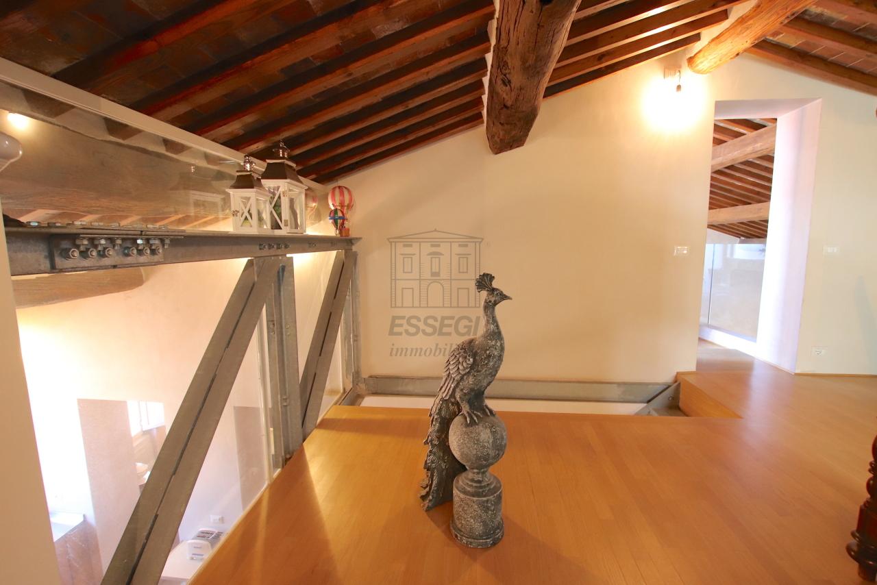 Appartamento Lucca Centro storico IA03502 img 58