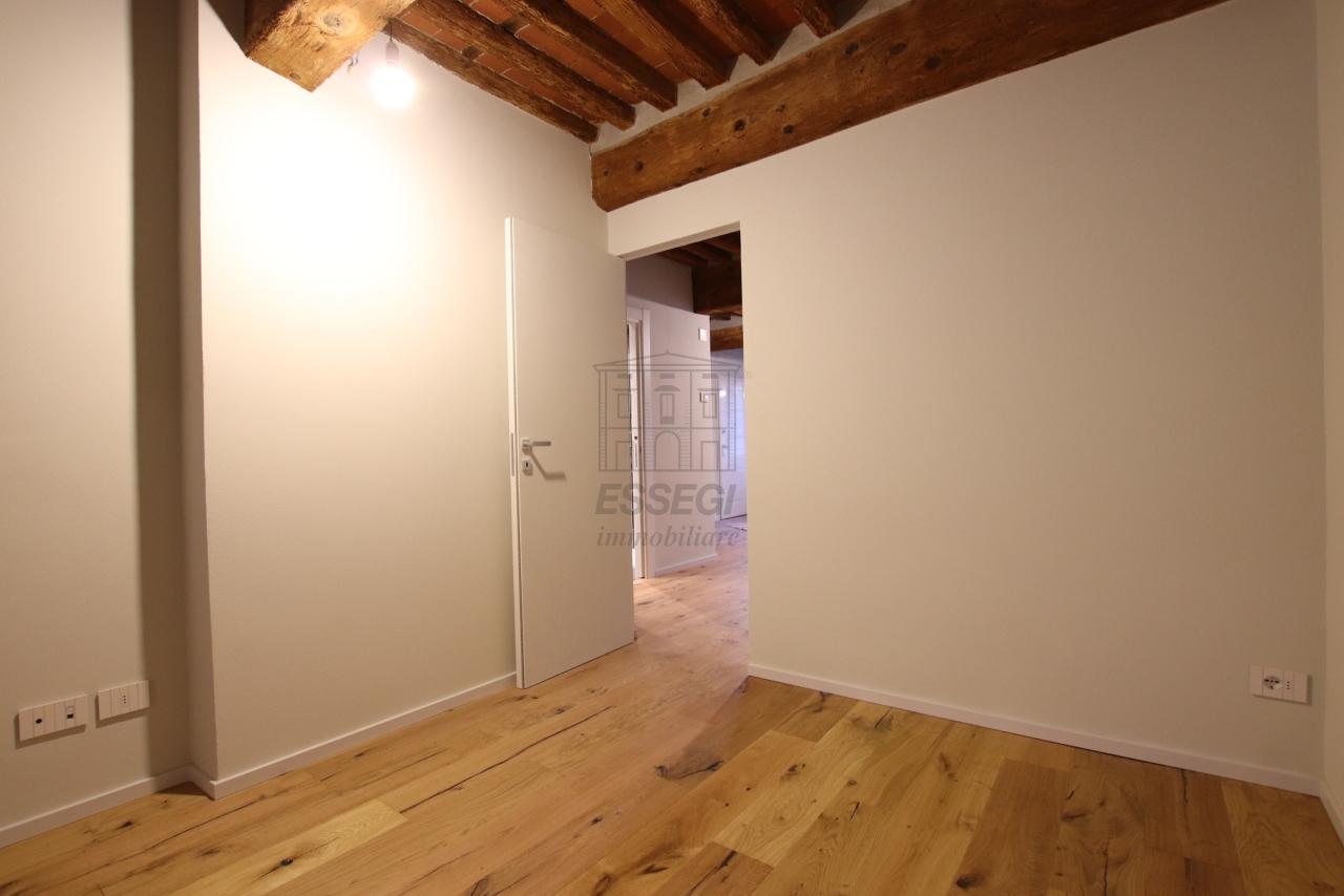 Appartamento Lucca Centro storico IA03520 img 21