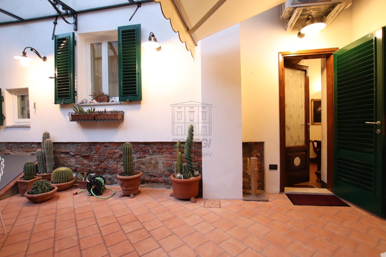 Appartamento Lucca Centro storico IA03524 img 2
