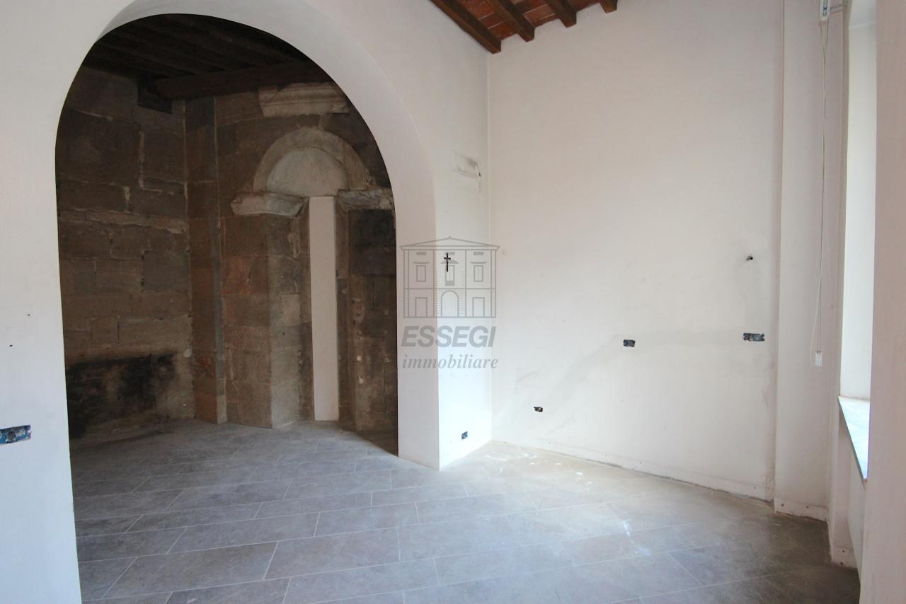 Appartamento Lucca Centro storico IA03452 img 18