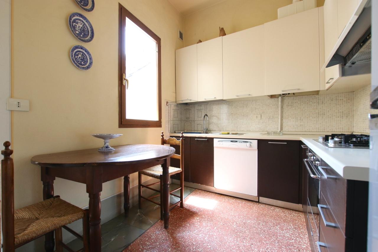 Appartamento Lucca Centro storico IA01764 img 9