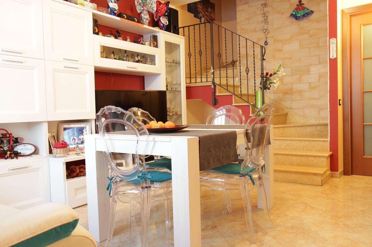 Villetta a schiera in ottime condizioni in vendita Rif. 5958300