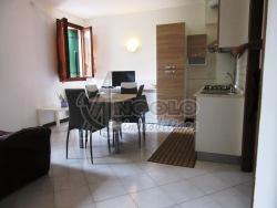 Trilocale in Vendita a Rovigo, zona CENTRO-QUARTIERI , 65'000€, 45 m²