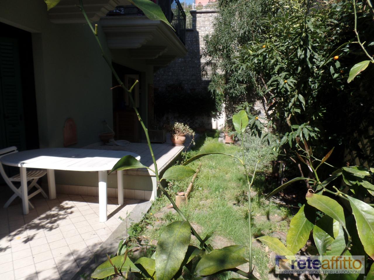 Bilocale in ottime condizioni arredato in affitto Rif. 10985582
