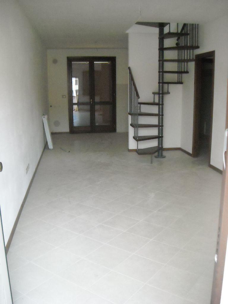 Appartamento in vendita a Monsummano Terme, 4 locali, prezzo € 174.000 | CambioCasa.it