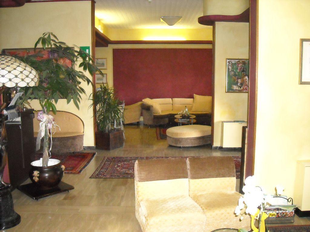 Albergo in vendita a Montecatini-Terme, 26 locali, prezzo € 1.150.000 | CambioCasa.it