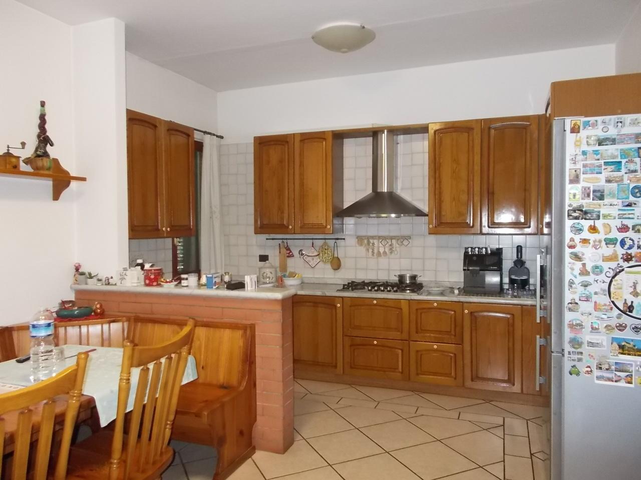 Villa in buone condizioni in vendita Rif. 9679468