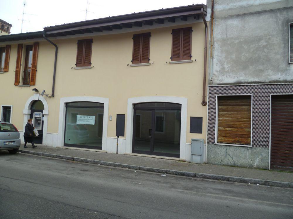 Negozio / Locale in affitto a Ghedi, 1 locali, prezzo € 1.700 | CambioCasa.it