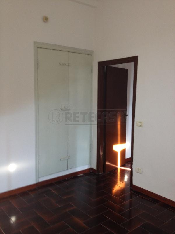 Bilocale in buone condizioni arredato in affitto Rif. 8844068