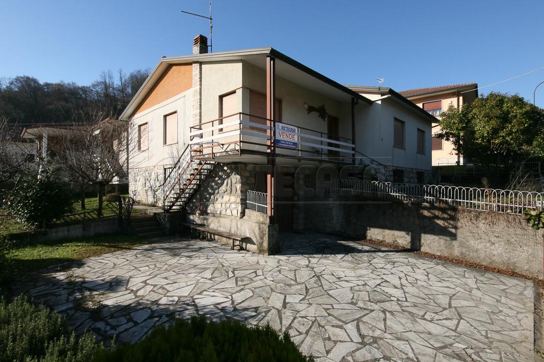 Villa in Vendita a Chiampo