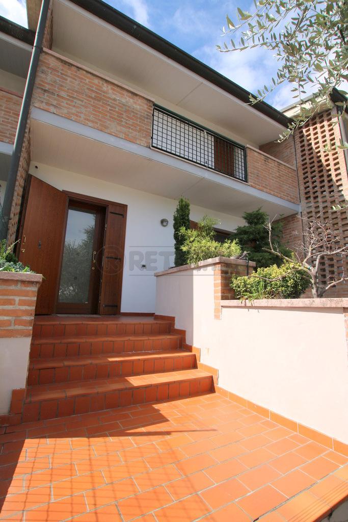 Porzione di casa in ottime condizioni in vendita Rif. 11167846