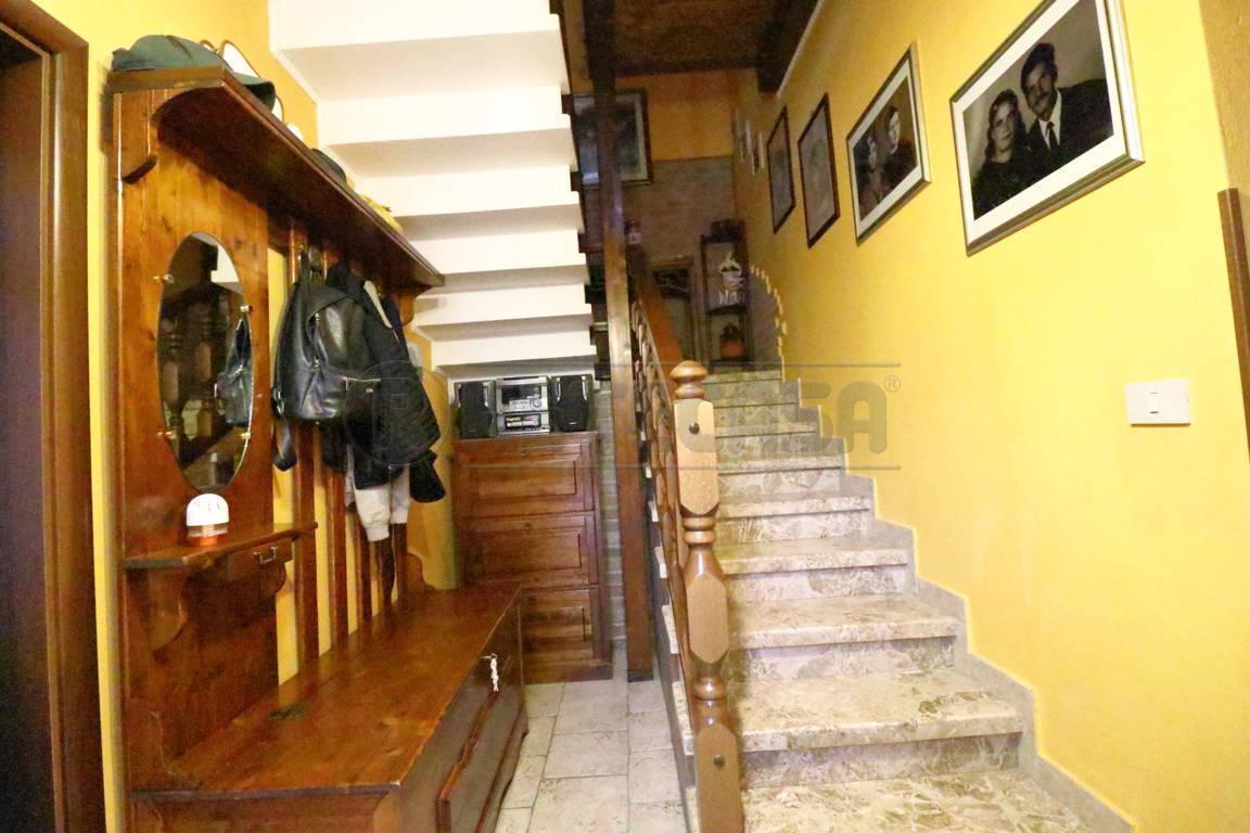 Villetta a schiera ristrutturato in vendita Rif. 11230102
