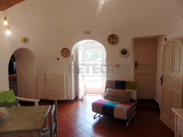 Casa Indipendente in buone condizioni in vendita Rif. 7240046