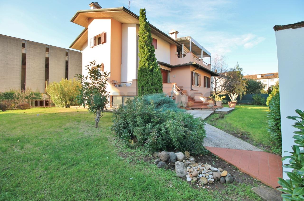 Villa in vendita a Gambellara, 11 locali, prezzo € 450.000 | CambioCasa.it
