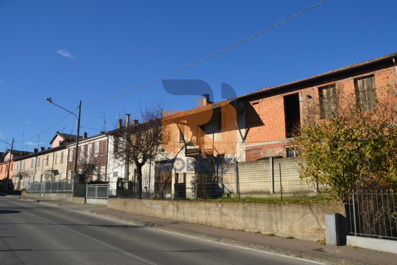 Villa a Schiera in vendita a Carbonara al Ticino, 7 locali, prezzo € 160.000   PortaleAgenzieImmobiliari.it