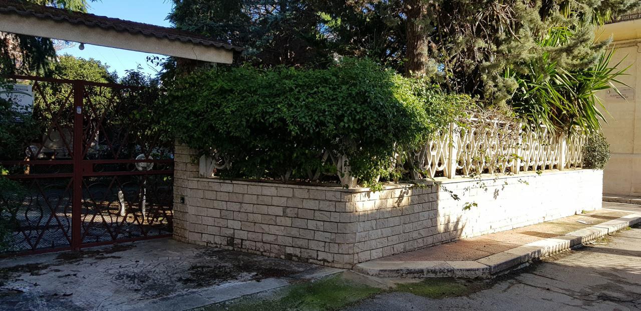 Villa in buone condizioni in vendita Rif. 10702136