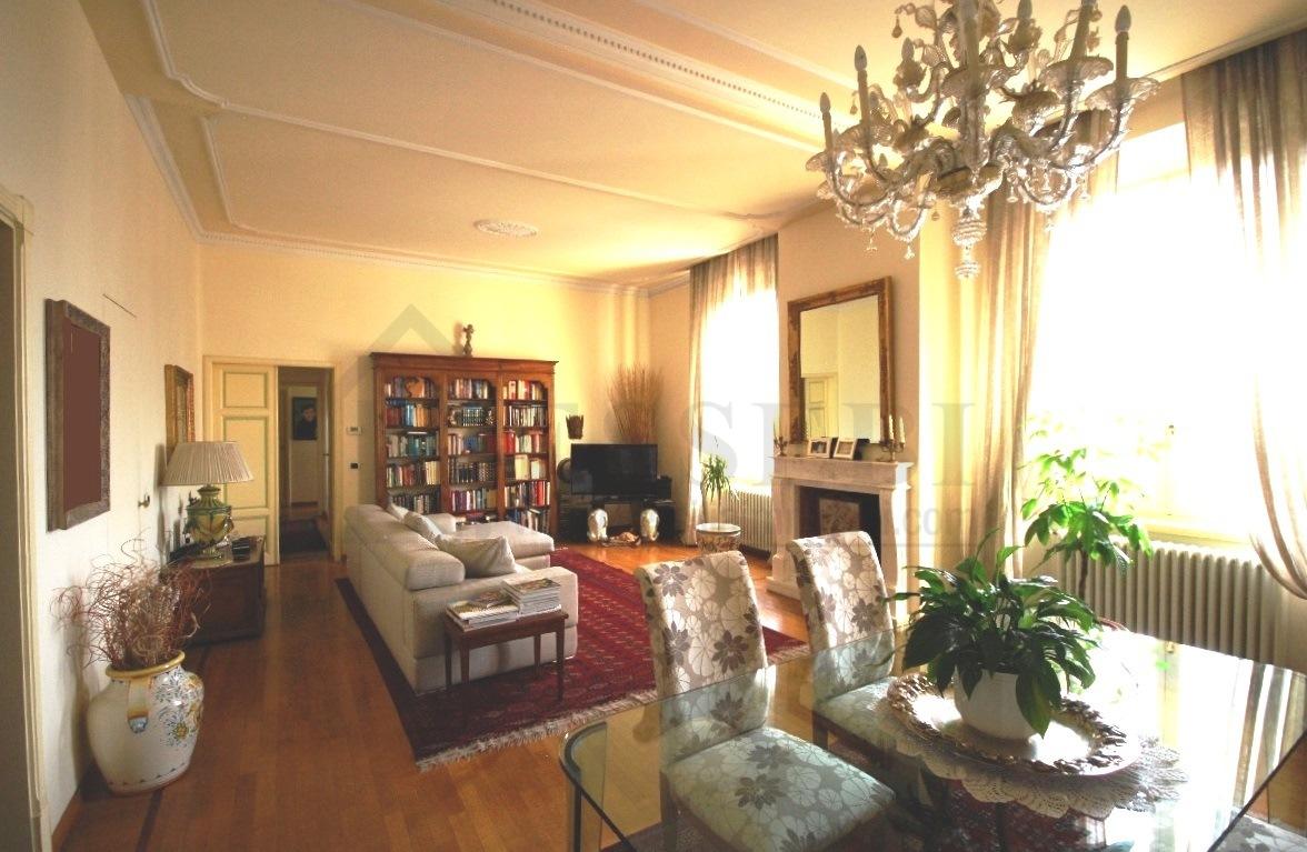 Appartamento in ottime condizioni in vendita Rif. 4142784