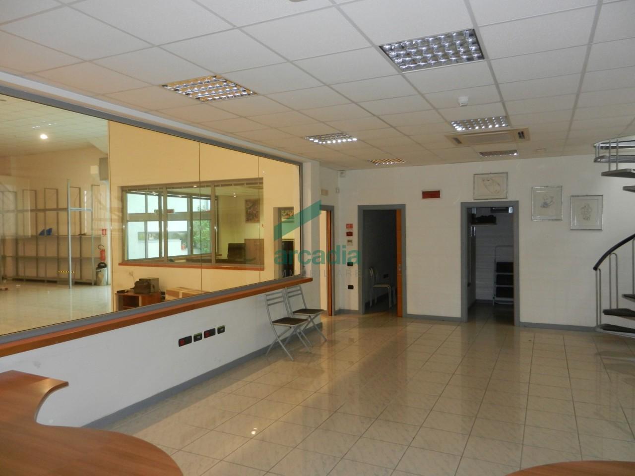 Capannone - Commerciale a Zona Industriale, Modugno Rif. 4140471