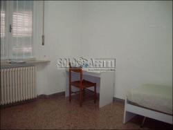 Appartamento in Affitto a Macerata, zona Centro, 180€, 100 m², arredato