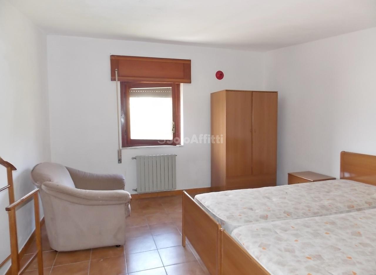 Bilocale in buone condizioni arredato in affitto Rif. 7358924