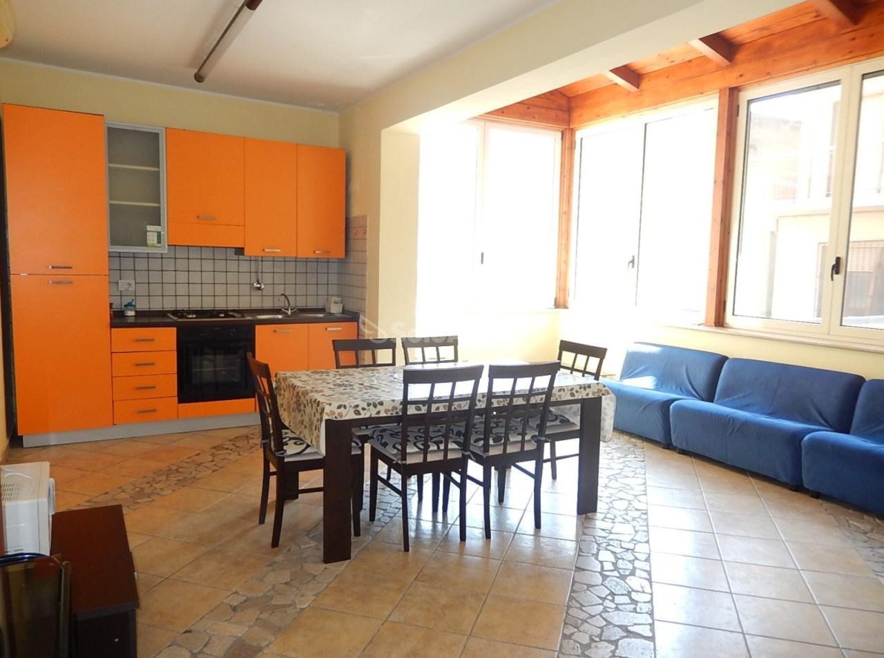 Appartamento ristrutturato arredato in affitto Rif. 8253474